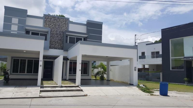 SE VENDE TOWNHOUSE EN SAN PEDRO SULA