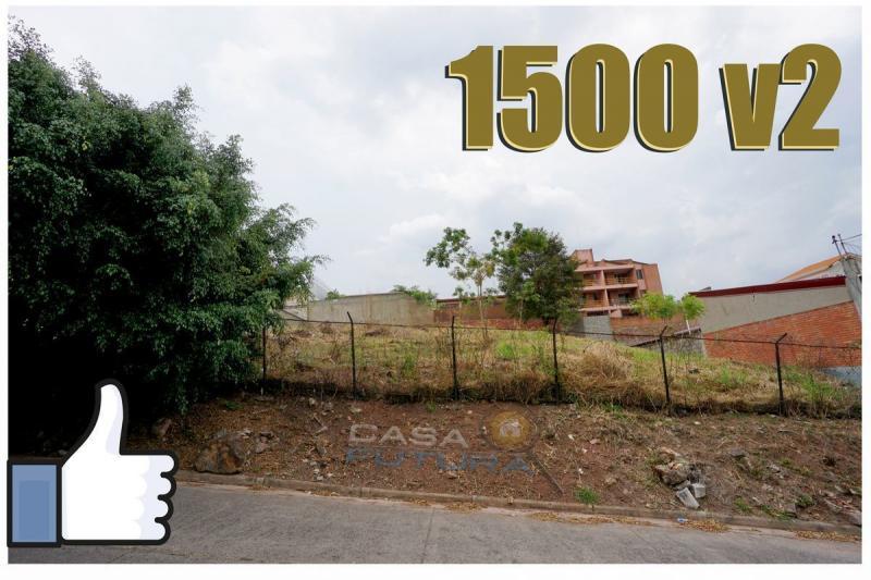 TERRENO DE 1500 V2 EN CIRCUITO CERRADO CON VISTA EN LOMA LINDA NORTE