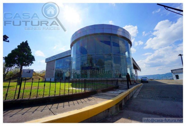 RENTA DE LOCAL COMERCIAL + SALA DE EXHIBICIONES - AMPLIO PARQUEO 8942 V2 ANILLO PERIFERICO