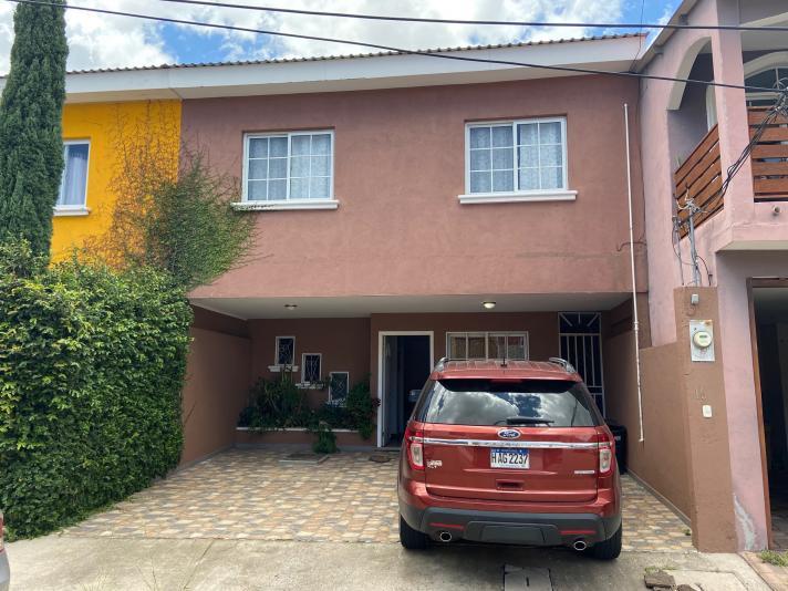 CIRCUITO CERRADO. 141 V2 / 170 M2 3 habitaciones c/closets ( La hab principal es doble ), 2.5 baños, sala-comedor, cocina amueblada c/desayunador, patio, garaje p/2, cisterna L 2,050,000.00 neg.